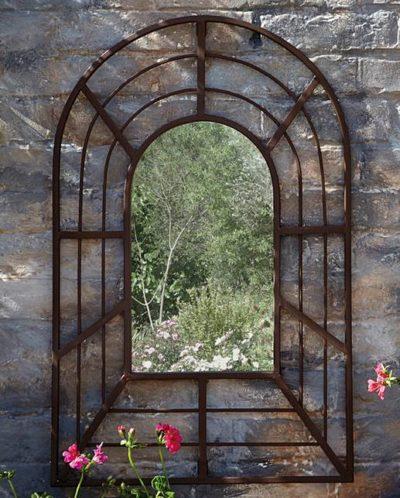 Accessorising your garden